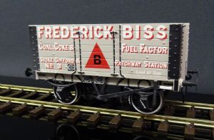 DA7F-072-003 7 Plank Wagon 9ft Wheelbase Two Door Frederick Biss